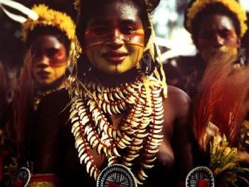 巴布亚新几内亚部落服饰