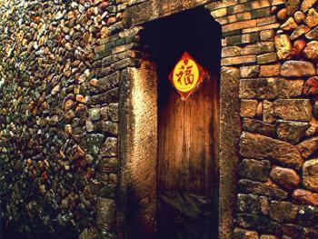 古老而整齐的石墙反映出当时工匠的高超水平,据村民说这种建筑工艺在农村已经失传。
