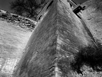 姜氏窑洞庄园的深井