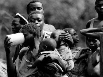 """中非原始森林中的""""俾格米""""部落9"""