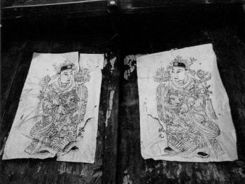 木刻单色状元门神。拍摄地点:陕西陇南