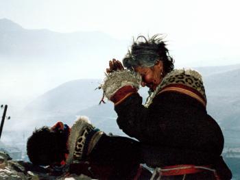 生活在高原的藏族妇女