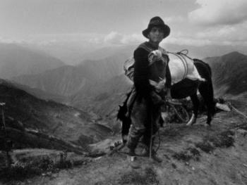 5.安第斯山中的农民。