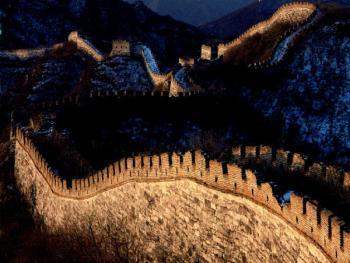 """怀柔县八道河乡与沙峪乡交界处的长城。此段长城位于""""火药山""""和""""长城结""""之间,曲折蜿蜒很有气势"""
