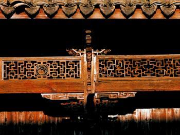 廊格及撑拱雕