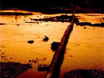 3.永济桥。桥长103米,宽0.5米,高1米,建于光绪二十二年。2001年11月田村