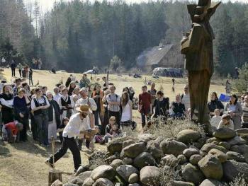 波罗的海的拜春仪式02