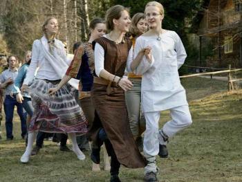 波罗的海的拜春仪式03