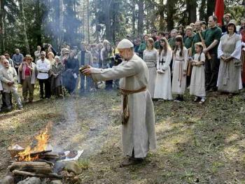 波罗的海的拜春仪式04