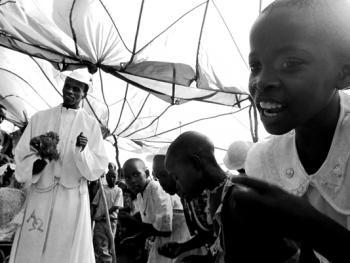 肯尼亚乡村的天主教徒婚礼