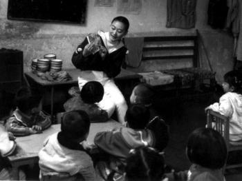 10.讲故事是幼儿教学的主要方式,也是孩子们最爱上的课。