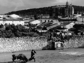 7.西班牙的形象:斗牛、村庄和教堂。在塞维尔北部的小村庄里,时间静止在了这一刻。