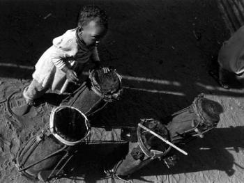 安达姆巴荷卡族的割礼04