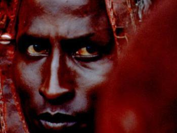 红赭石、白石粉——乌干达的马萨伊人01