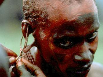 红赭石、白石粉——乌干达的马萨伊人05