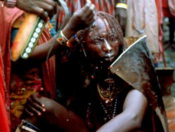 红赭石、白石粉——乌干达的马萨伊人06