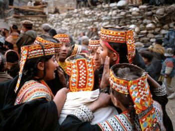 卡拉什族的查莫斯节01