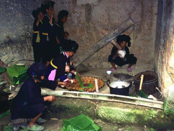 哈尼族六月节04