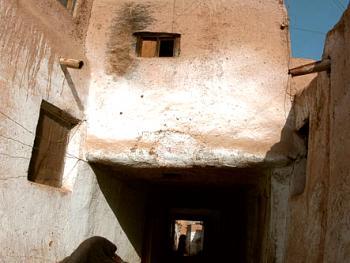 """喀什噶尔民居中的""""堡式""""吊角楼"""
