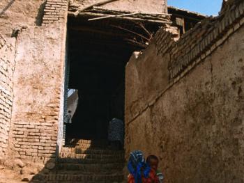 """喀什噶尔民居中的""""阁式""""吊角楼"""