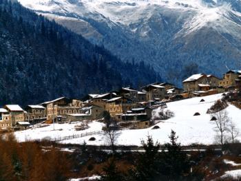 远眺嘉绒、安多藏寨