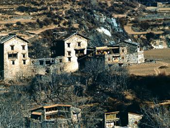 远眺嘉绒、安多藏寨05