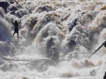 湄公河危险的捕鱼