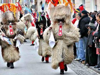 普图伊的狂欢节04