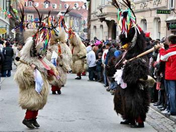 普图伊的狂欢节