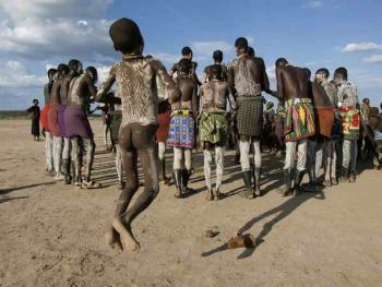 埃塞俄比亚奥莫山谷的部落