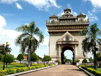 老挝的建筑07万象凯旋门