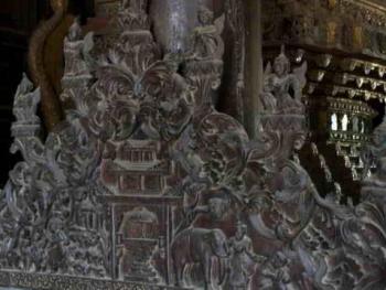 缅甸佛寺的木刻工艺10