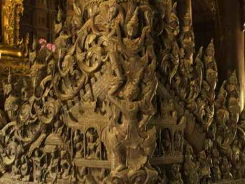 缅甸佛寺的木刻工艺12