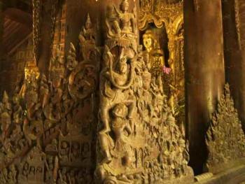 缅甸佛寺的木刻工艺05
