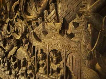 缅甸佛寺的木刻工艺08