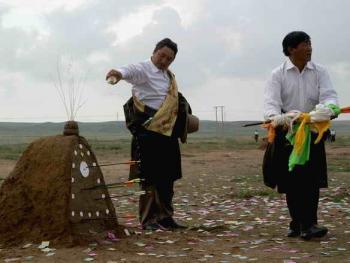 青海藏族民间传统射箭比赛12