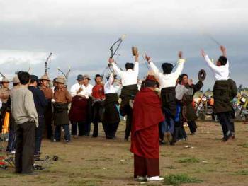 青海藏族民间传统射箭比赛07