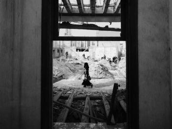 生活在喀什高台民居的穆斯林妇女05