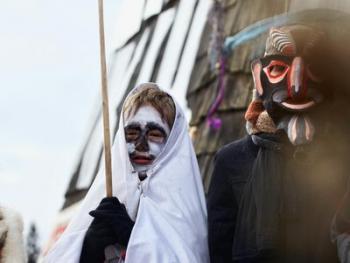 立陶宛狂欢节上的面具12