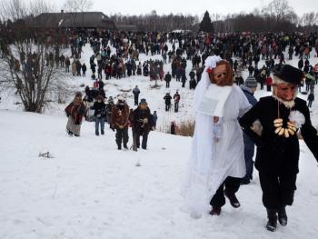 立陶宛狂欢节上的面具09