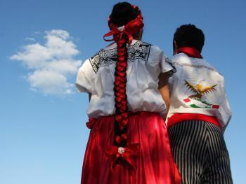 年轻的墨西哥民俗舞者11