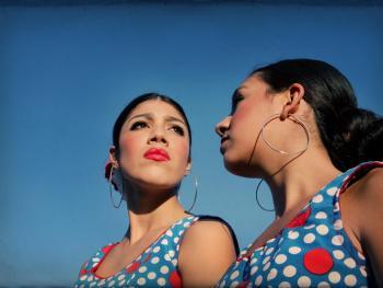 年轻的墨西哥民俗舞者07
