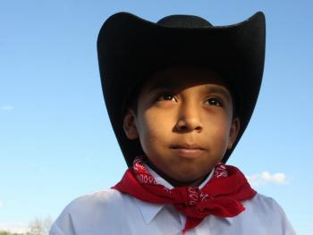 年轻的墨西哥民俗舞者09