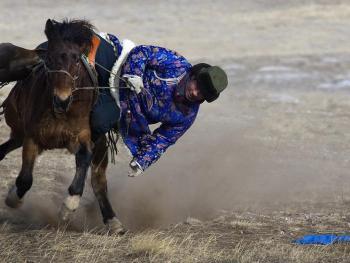 蒙古族传统体育竞技12