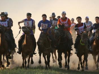 蒙古族传统体育竞技01
