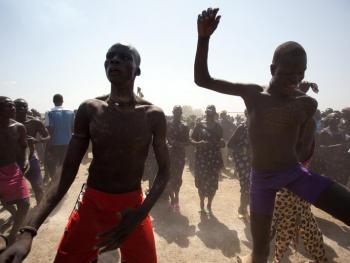 南苏丹传统摔跤11