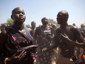 南苏丹传统摔跤12