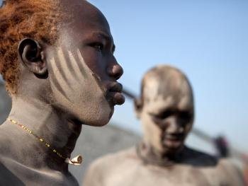 南苏丹传统摔跤01