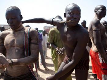 南苏丹传统摔跤04