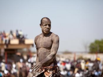 南苏丹传统摔跤06